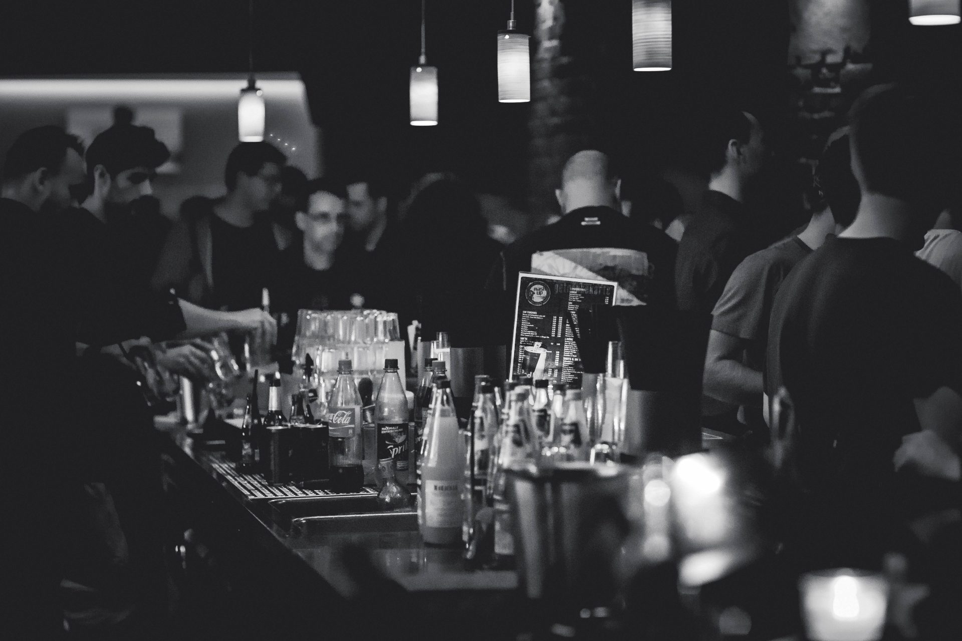 Bring Bar Service to the Table – The Revolution of Table Ordering